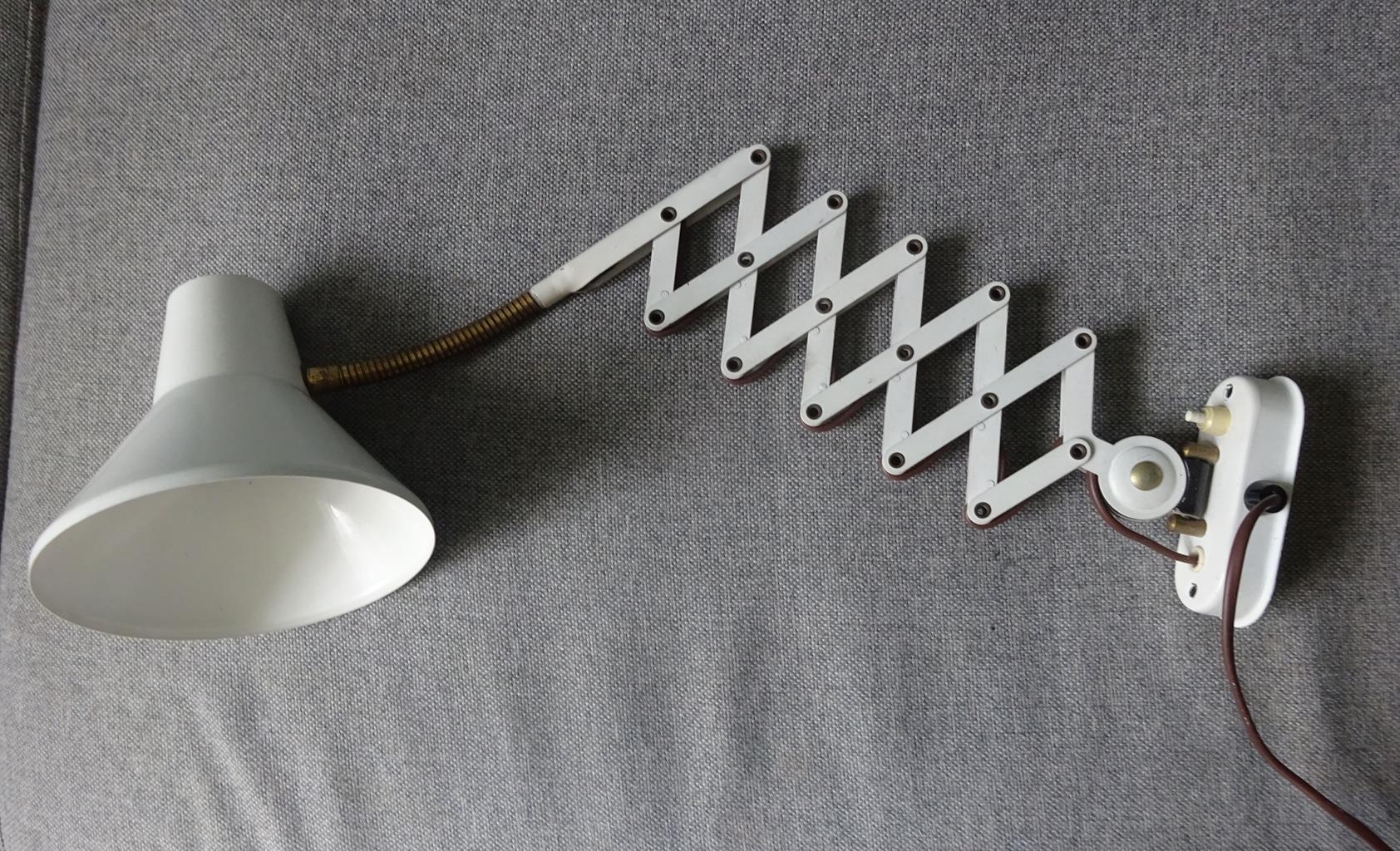 Beste Goed Gevonden - Hala Zeist: Witte Schaarlamp- wand-uittreklamp ES-45